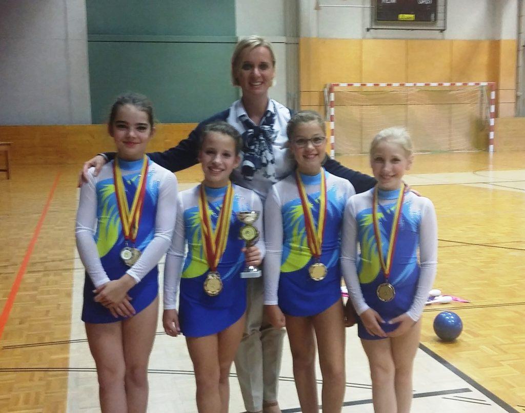 Erfolgreiche burgenländische Teilnehmer/innen eines Rhythmische Gymnastik Wettkampfes